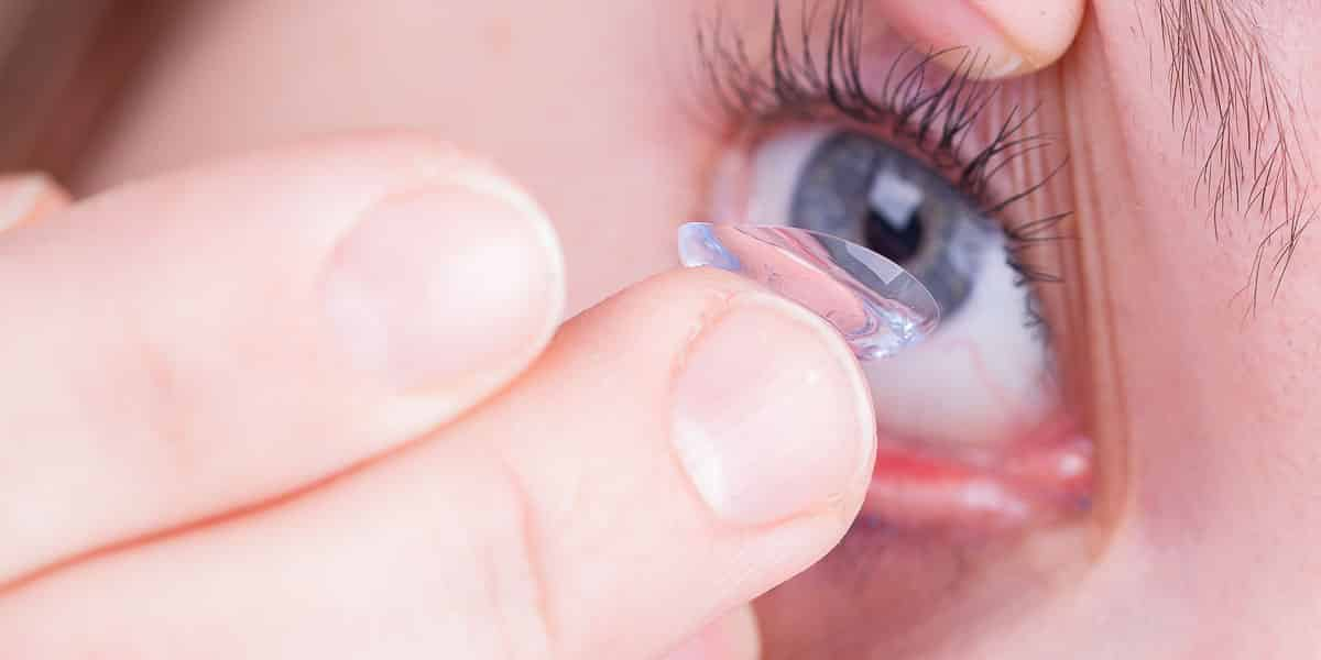 inserting a contact lens noosa